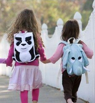 Zaini-pesanti-a-scuola-come-salvaguardare-la-schiena-dei-bambini