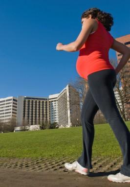 Camminare in gravidanza: un toccasana per mamma e bebè