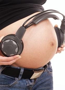 30-canzoni-da-ascoltare-durante-il-parto