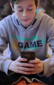 smartphone-gravi-danni-ai-teenager