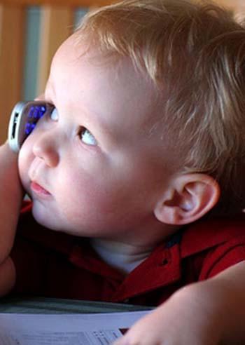 bambini-smartphone-genitori-troppo-permissivi