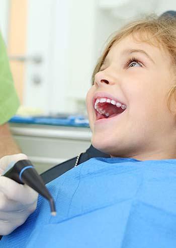 bambini-denti-perfetti-con-aligner-invisibili