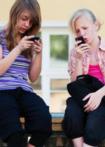 adolescenti-iper-connessi