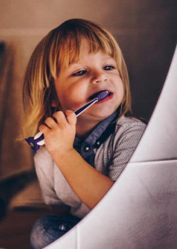 bambini-non-lavano-i-denti-la-sera