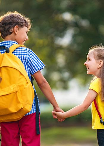 bambini-abbigliamento-scuola